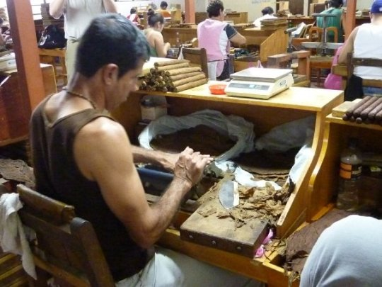 Watching up close and personal how cigars are made at the cigar factory in Puriscal.